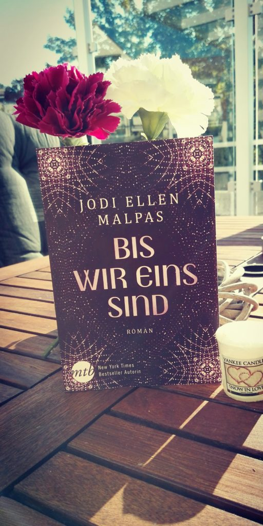 """Buchrezension zu """"Bis wir eins sind"""" von Jodi Ellen Malpas (Mira Taschenbuch Verlag)"""