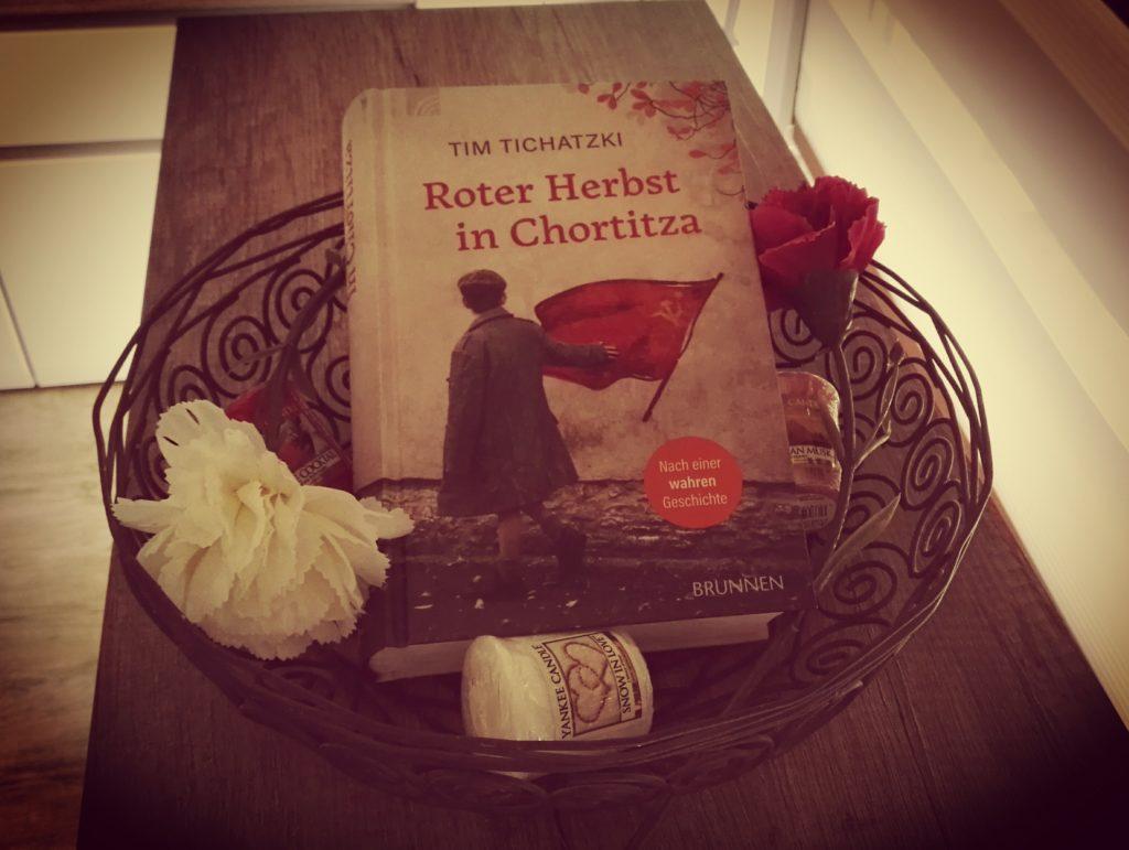 Buchrezension zu Roter Herbst in Chortitza von Tim Tichatzki (Brunnen Verlag)