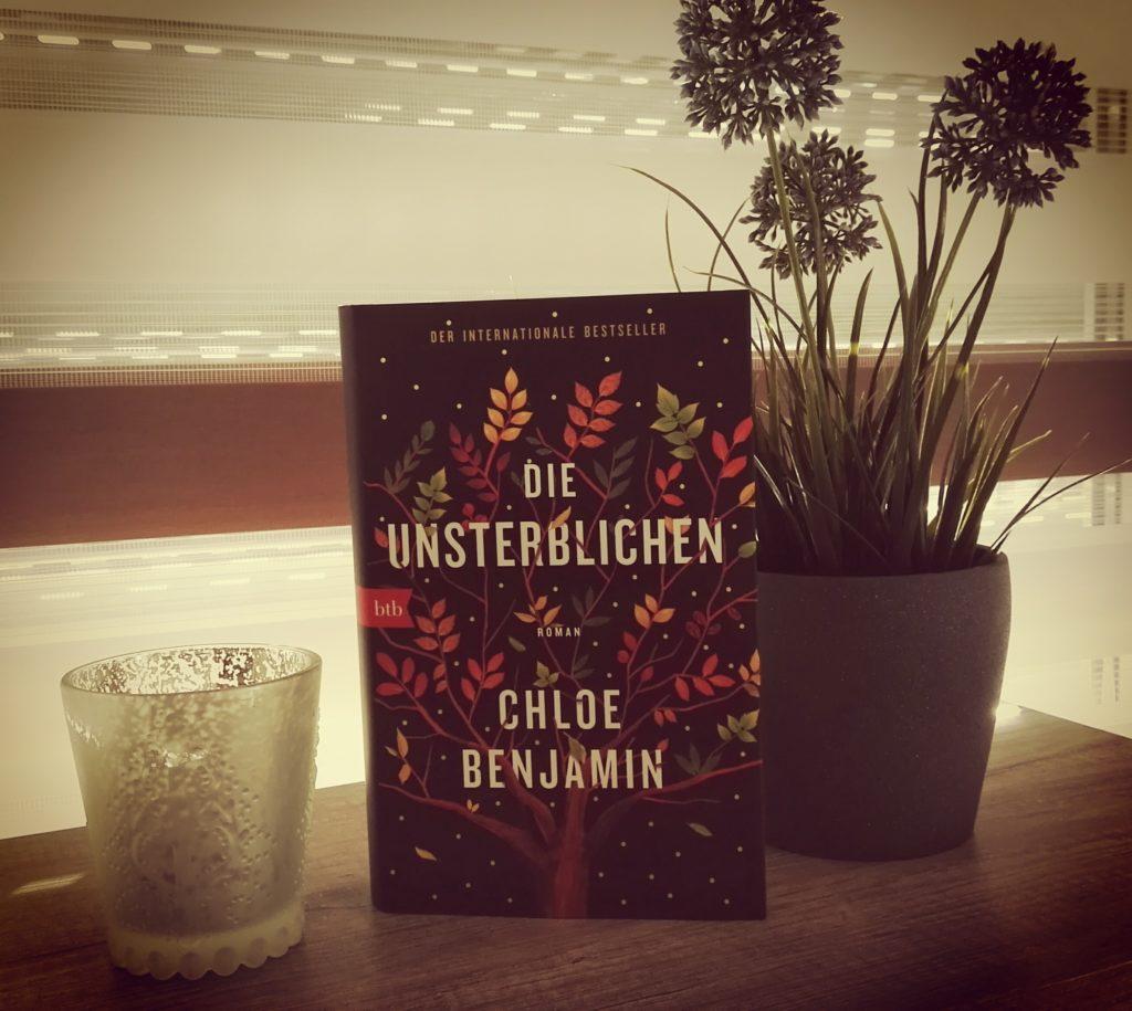 """Buchrezension zu """"Die Unsterblichen"""" von Chloe Benjamin (btb Verlag)"""