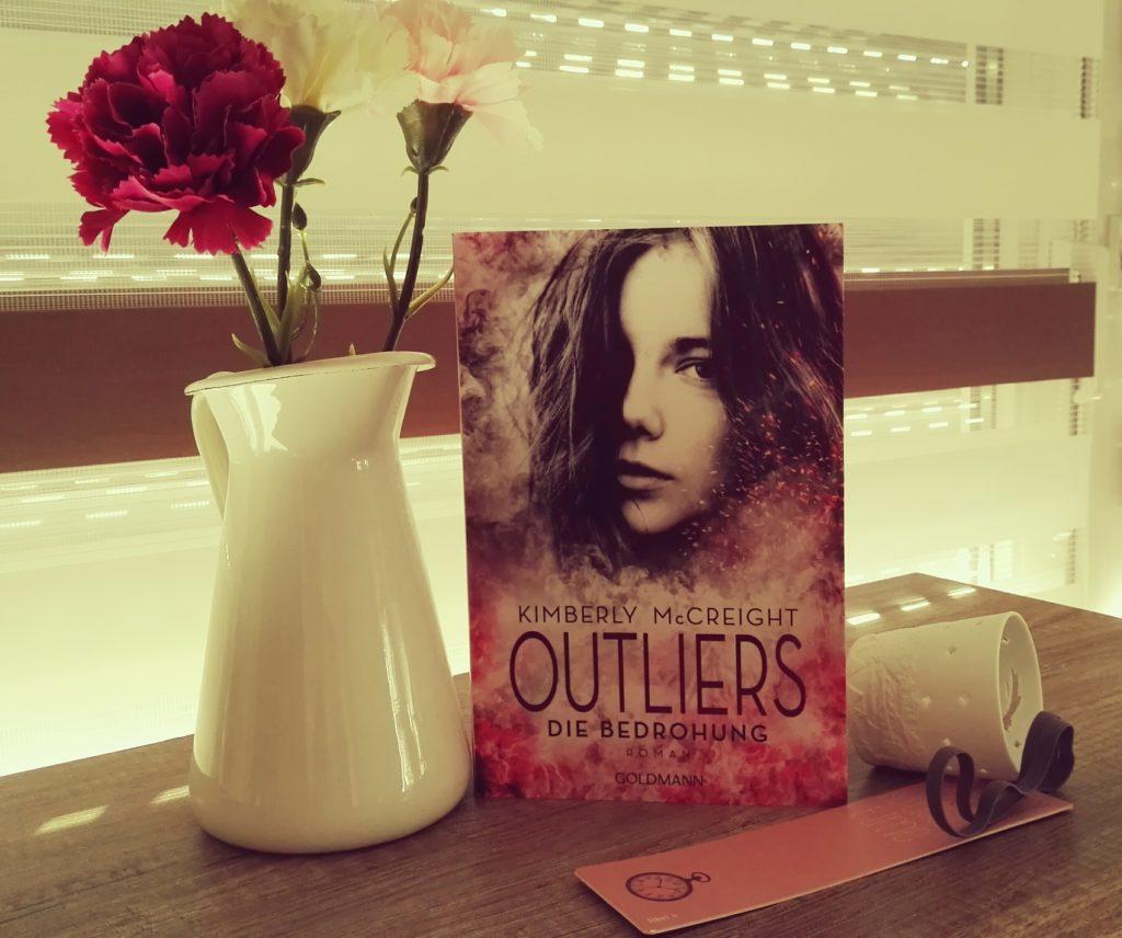 """Buchrezension zu """"Outliers die Bedrohung"""" von Kimberly McCreight (Goldmann Verlag)"""