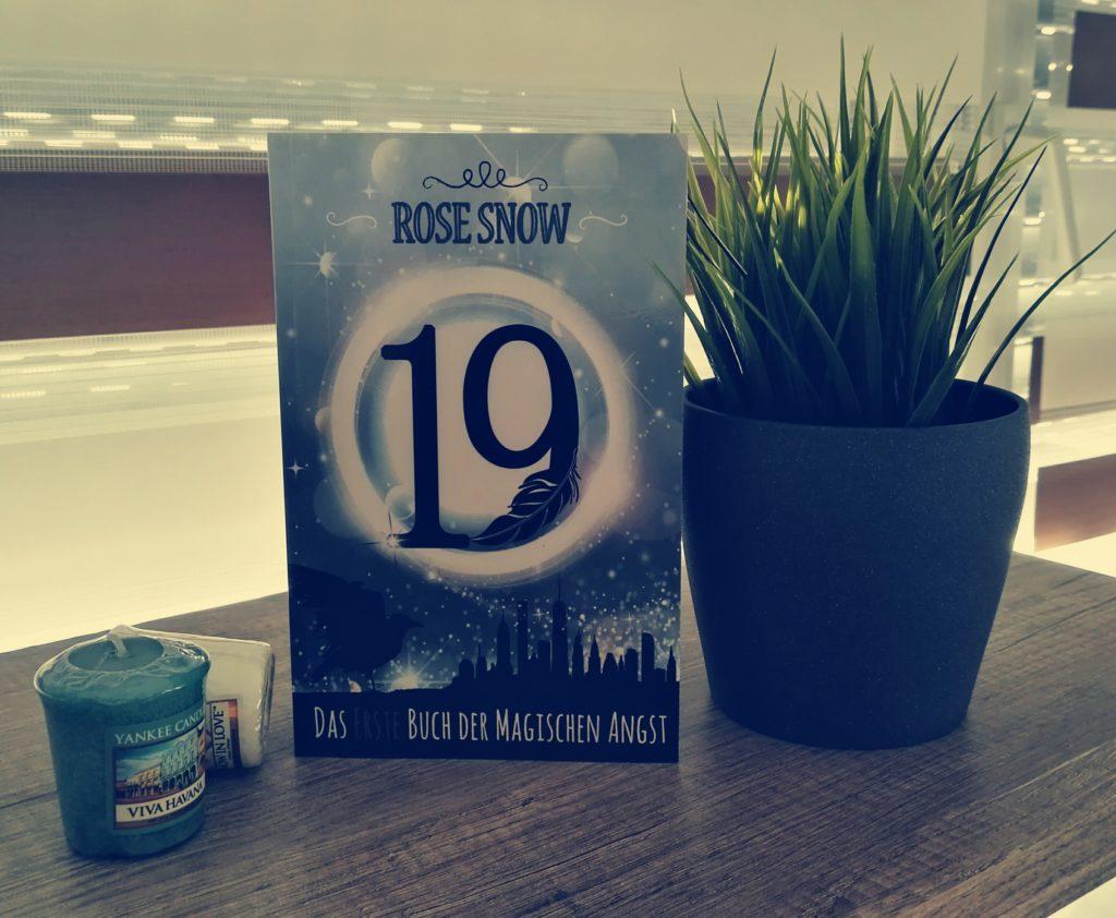 """Buchrezension zu """"19 das erste Buch der magischen Angst"""" von Rose Snow (Selfpublisher)"""