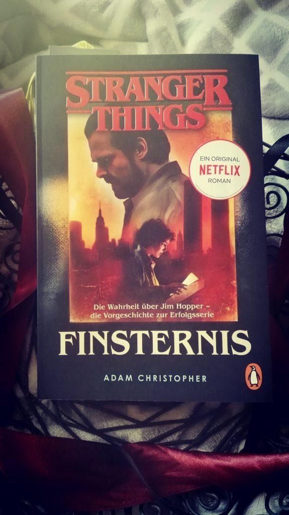 """Buchrezension zu """"Stranger Things / Finsternis"""" von Adam Christopher ( Penguin Verlag)"""